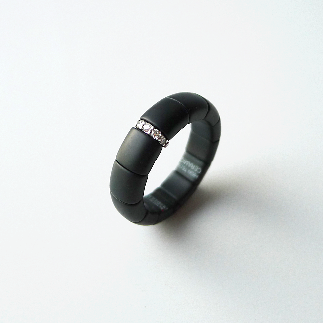 Ring PURA : Keramik und Diamanten