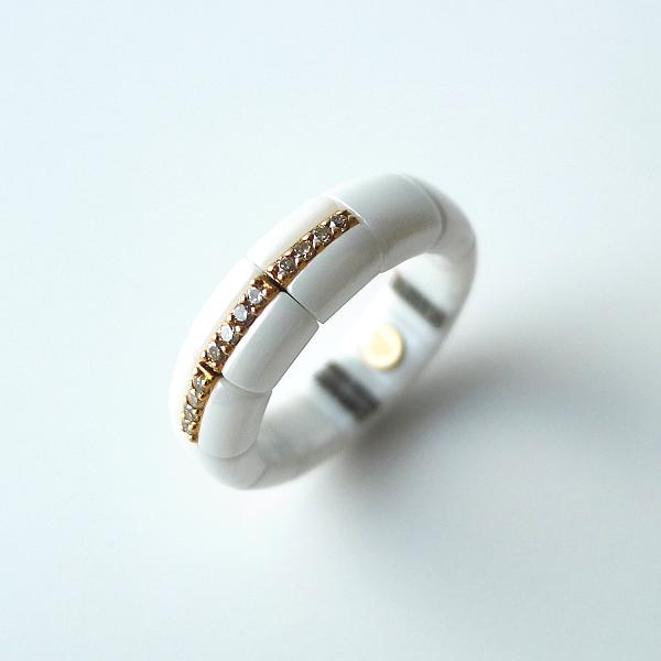 Ring PURA ceramica bianca e diamanti brown